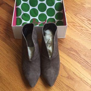 Boden Alexis Bootie Low Heel, Gray Suede. Size 42